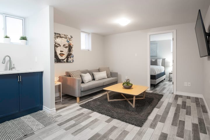 Modern and Central Apartment in Centretown Ottawa
