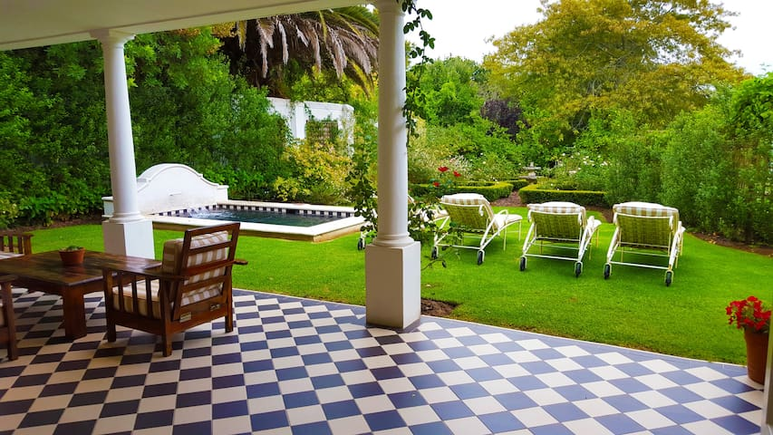 Constantia Klein 4 Bedroom Villa on the Vineyards