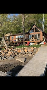 Lakefront Cottage on Quiet Lake, private dock