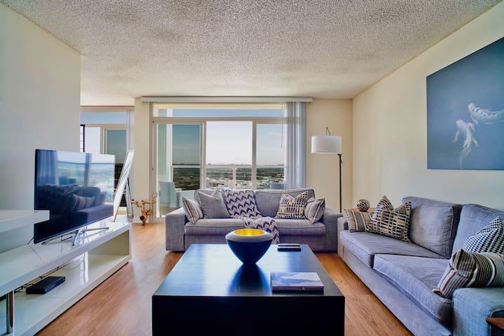 Seabreeze Penthouse Style W/ Astonishing View