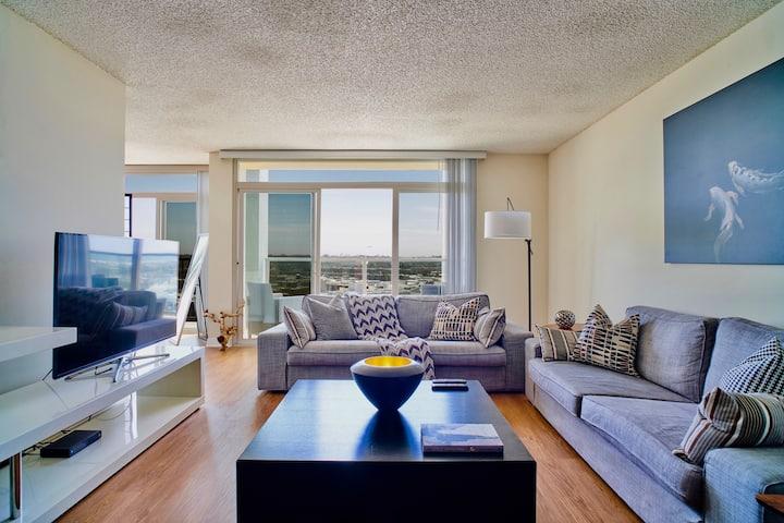 Fully Sanitized Penthouse Style W Astonishing View