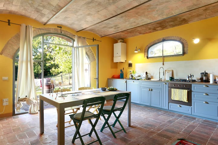 Your Romantic Loft in Chianti with a Swimming Pool - Cerbaia - Apartemen