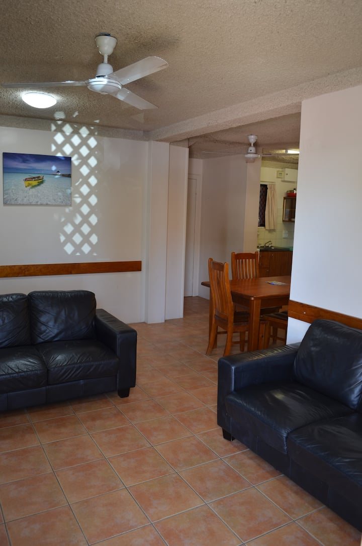 Ocean Breeze Holiday Units (2bedroom) Ground Floor