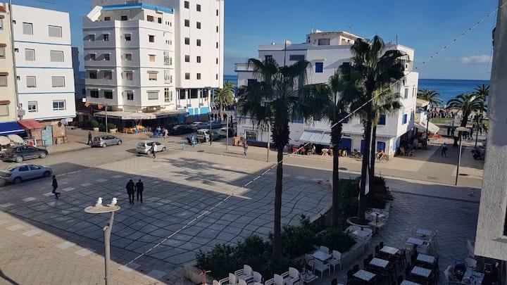 Jolie appartement au centre de M'diq, vue sur mer!
