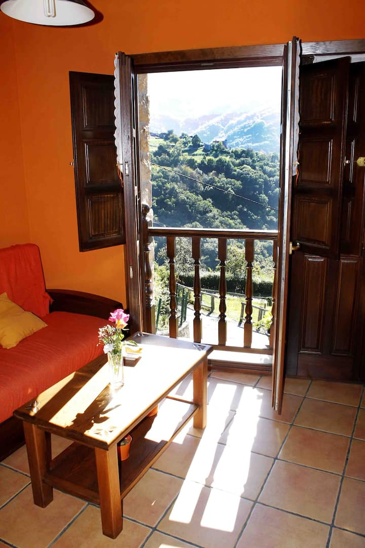 Wake  Up To Wonderful Views´ en Paniceres, Laviana