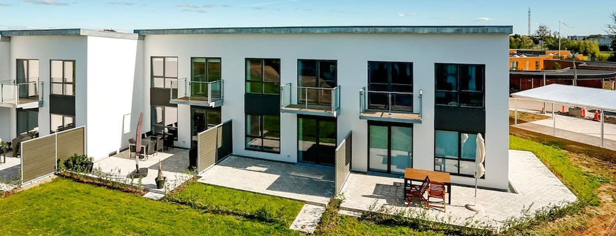 Terrace House 25 mins from CPH, 400m from beach - Karlslunde - House