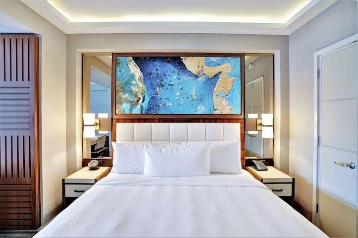 The Ocean Resort 1707   Deluxe Intracoastal View King Studio