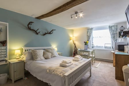 A Room at The Inn! - Canterbury