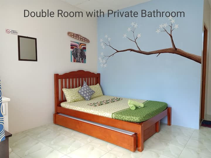 D' Partner's Inn (Double Room w/ Bathroom)