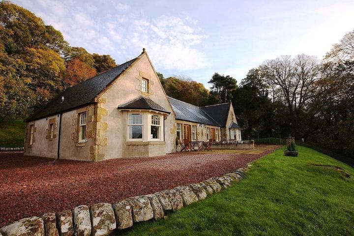 Swallow Cottage  at Bay Farm, views Munlochy Bay