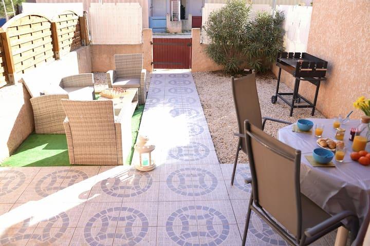 Agréable  Maison  WIFI – Jardin - Piscine