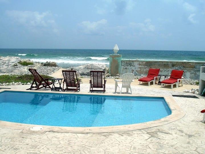 Casa Rosa - Beautiful Ocean Front Studio