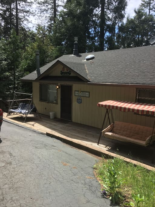 Big bear escape cabin cabins for rent in mi wuk village for Big bear 2 person cabin