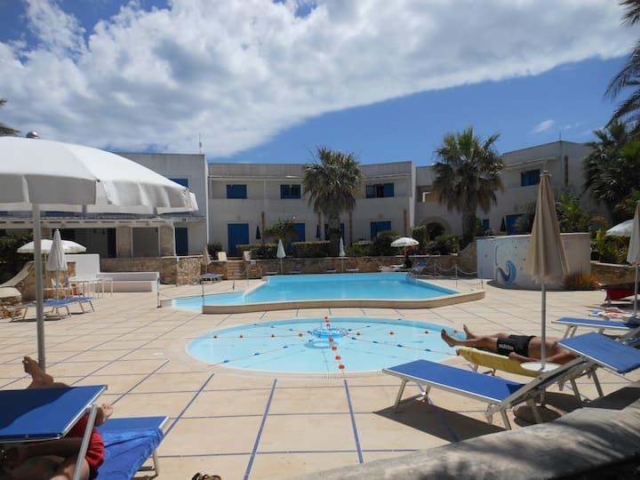 Favignana Appartamento in residence con piscina