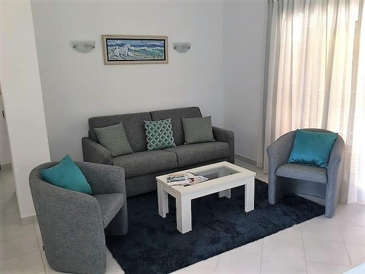 1 Bed Apartment - Newly Refurbished Prado do Golf
