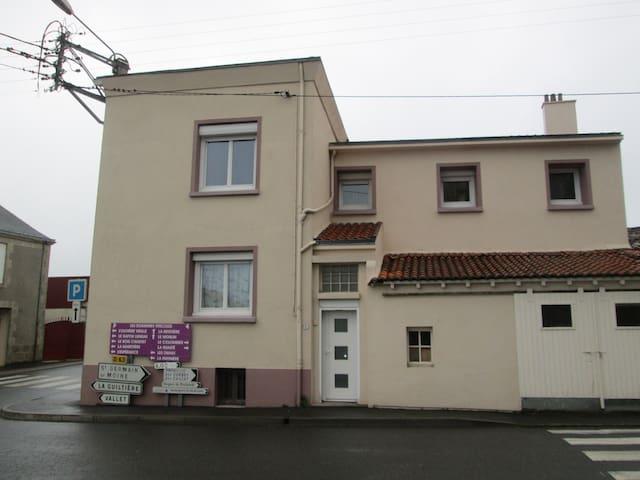 deux chambres dans maison individuelle. - Sèvremoine - Hus