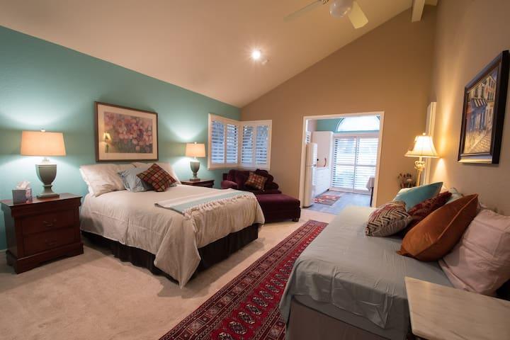 Casa de Paz Spacious Studio Apartment West Davis