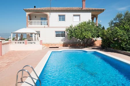 Holiday villa for 9 people with panoramic views - Calafell - House