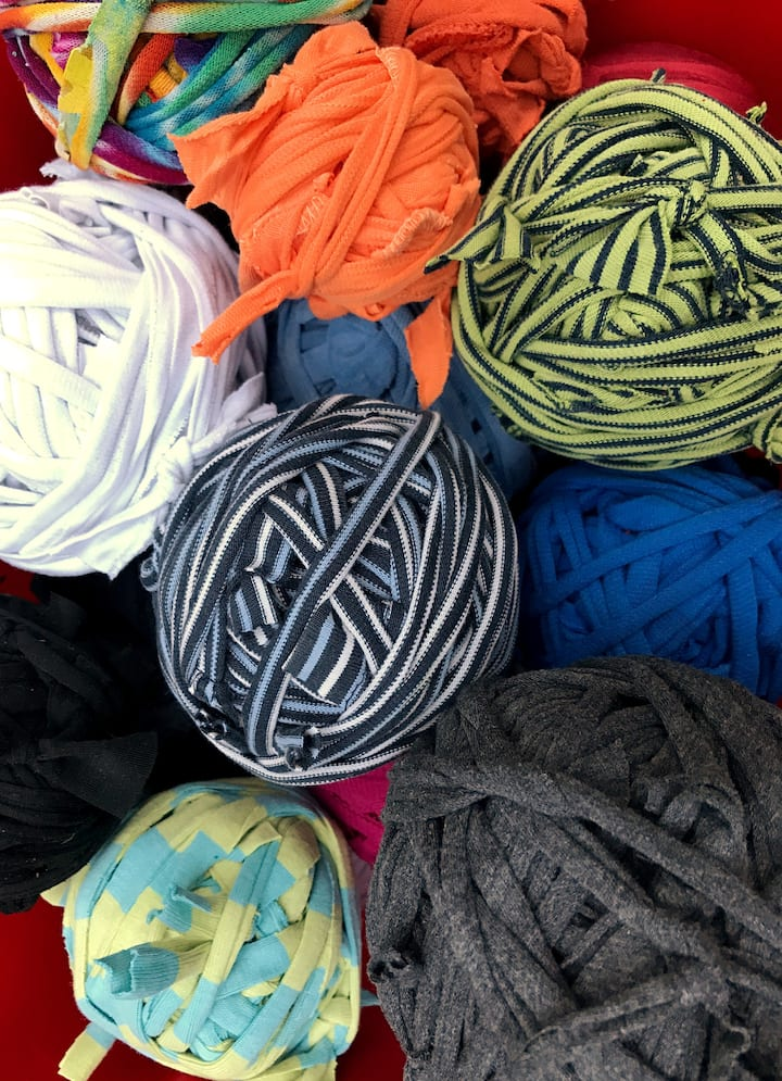 T-shirt yarn in wide variety of colors