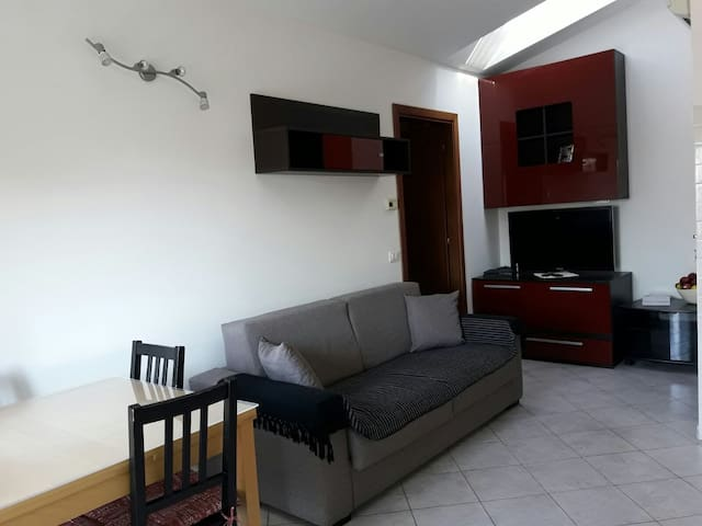 Lovely apartment very close to metro and Fiera Rho