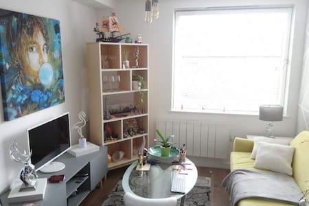 Brentford West London flat near Heathrow, GSK, UWL