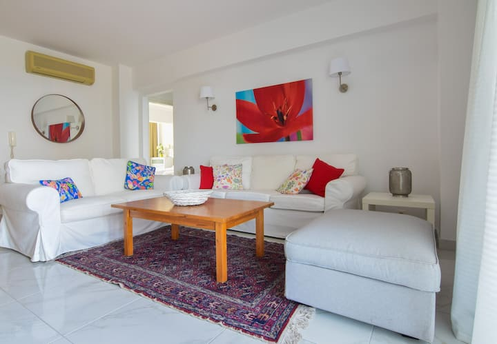 Ideally Located 2-Bedroom Apartment in Kos