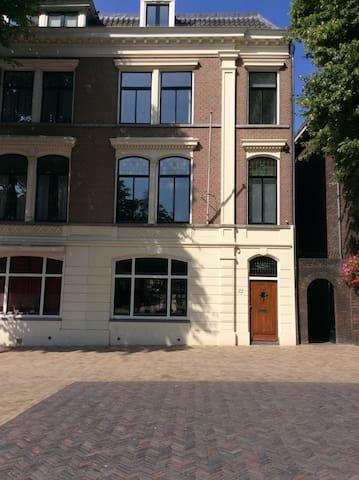Dom-square loft apartment 60 m2