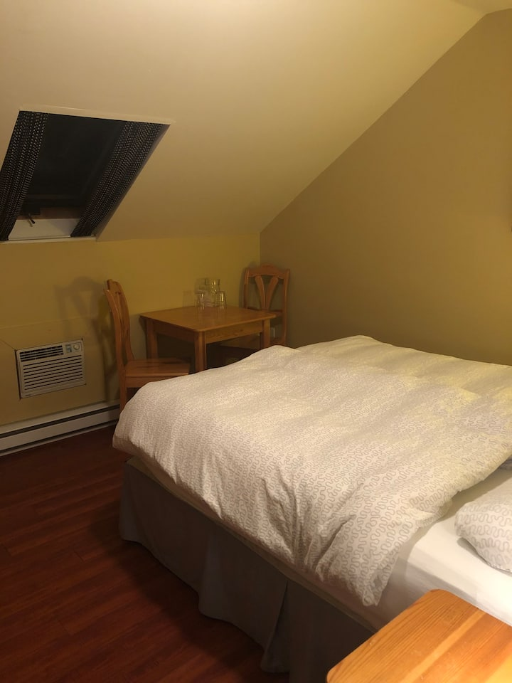 Regular Double Bedroom #2 @ Crowsnest Vineyards