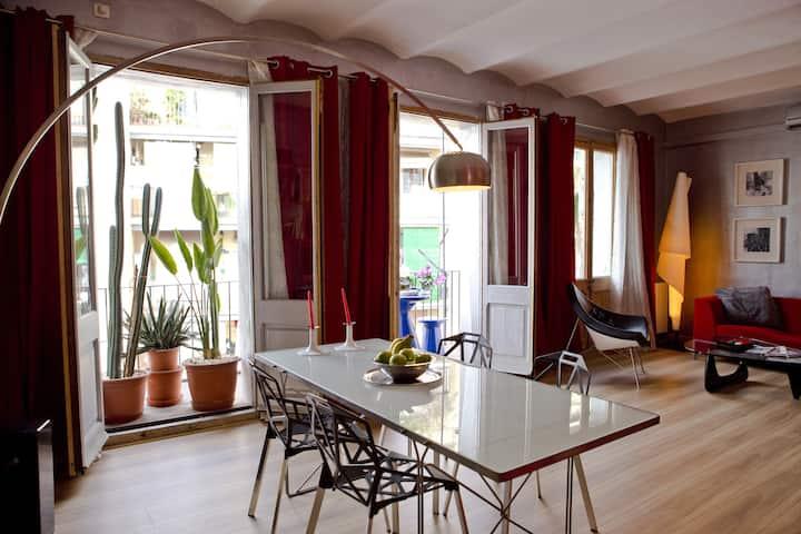 Loft Apartment at quiet & safe Poble Sec Barrio