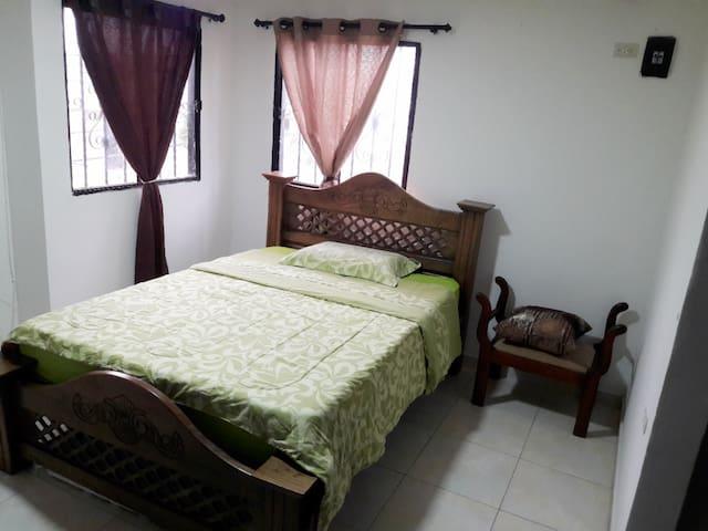 Habitación privada, en barrio central de Riohacha