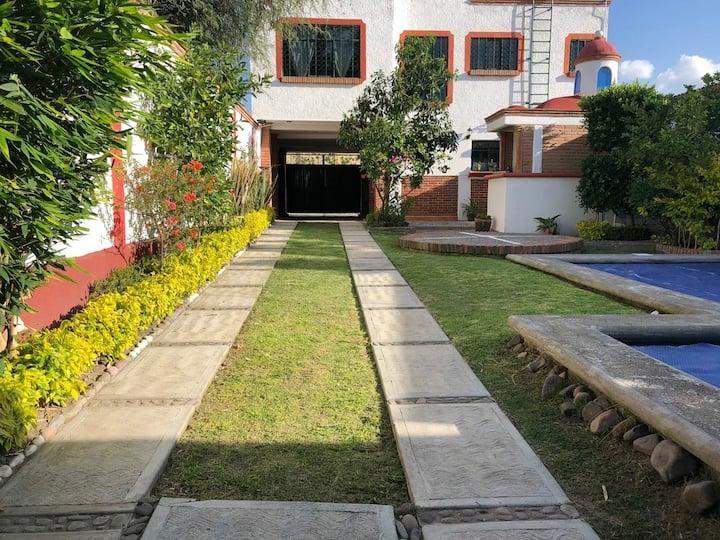 Casa Colonial con Alberca Privada Climatizada