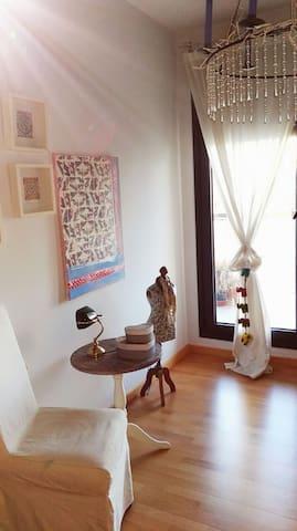 DESIGNER APARTMENT NEXT TO METRO, SEVILLA - Mairena del Aljarafe - Apartamento