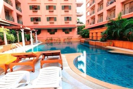 1 Bedroom Facing Pool View Sathorn. - Μπανγκόκ
