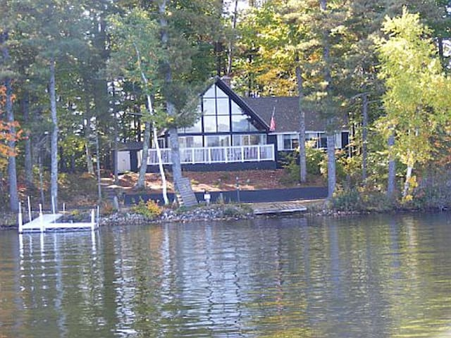 Summer Cottage Lakehouse - on an Island! - Shapleigh - Blockhütte