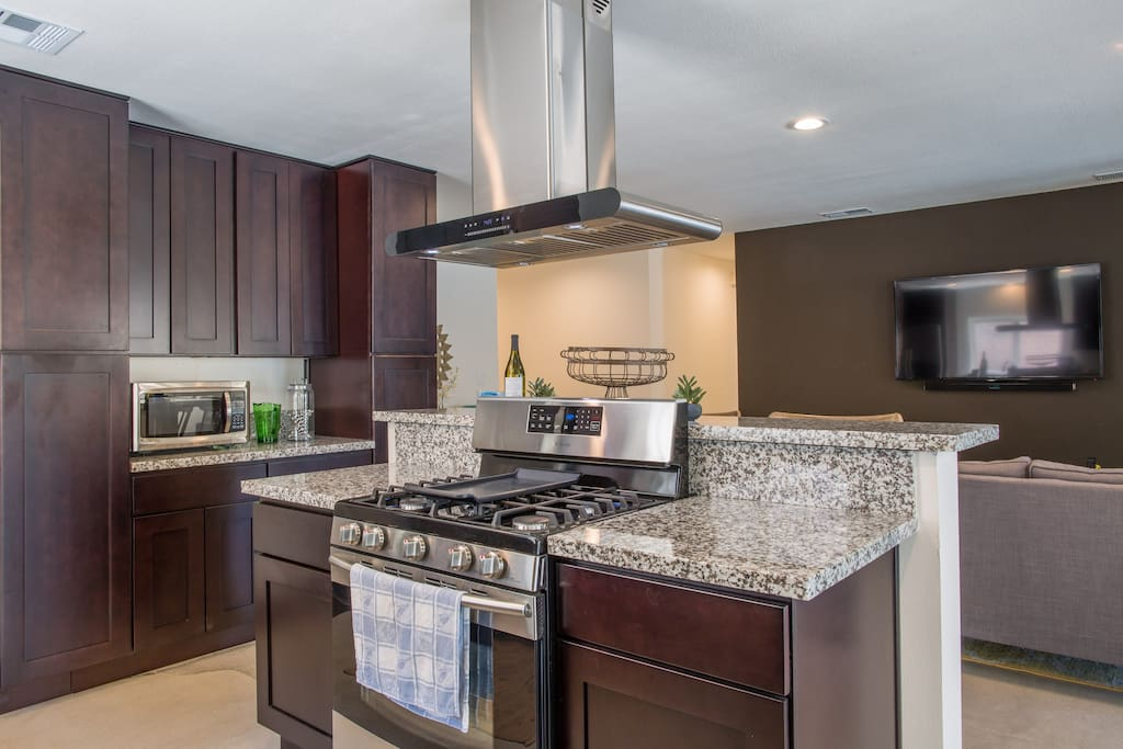 Brand new chefs kitchen with all amenities.