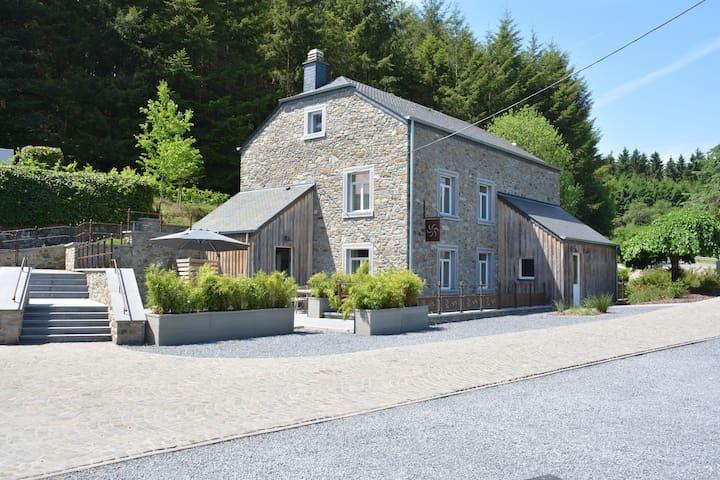 casa del 18 ° secolo, accuratamente restaurato nel 2016, comfort e fascino