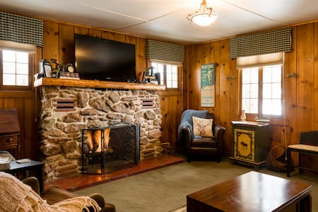 Cabin #4 2 bedrooms in Grand Lake w/ Hot Tub