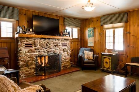 Cabin #4 2 bedrooms in Grand Lake w/ Hot Tub