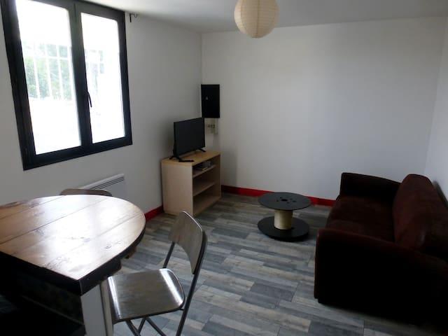 Charmant logement proche Auxerre et autoroute A6
