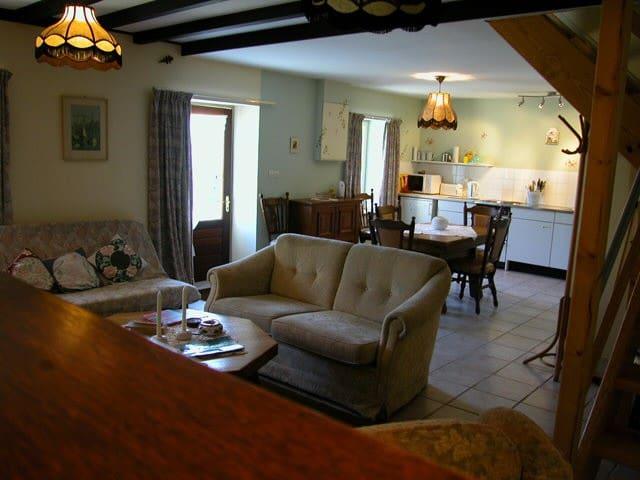 Le Faouet a Brittany farming hamlet - La Chapelle-Neuve