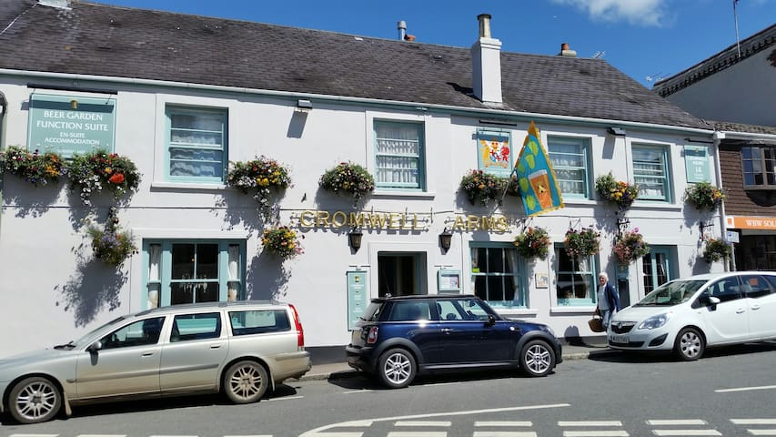 Country Inn in Devon on the outskirts of Dartmoor - Bovey Tracey