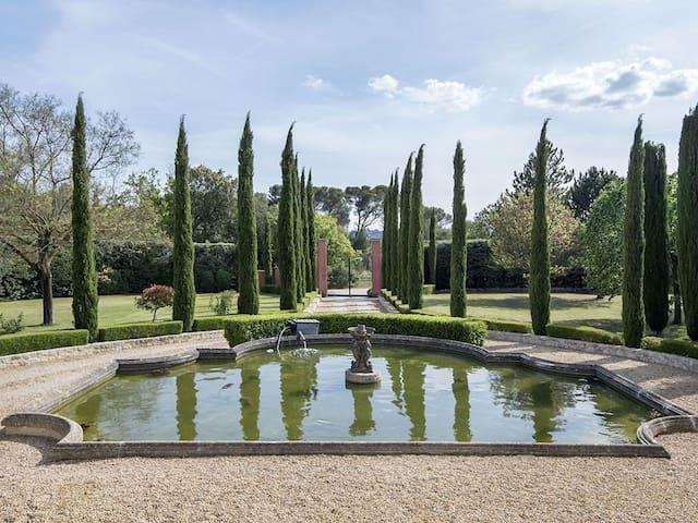 Super top luxurious Provence Master Villa
