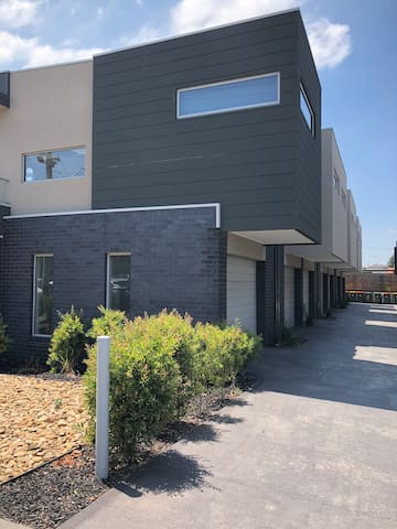 Modern house in Pascoe Vale