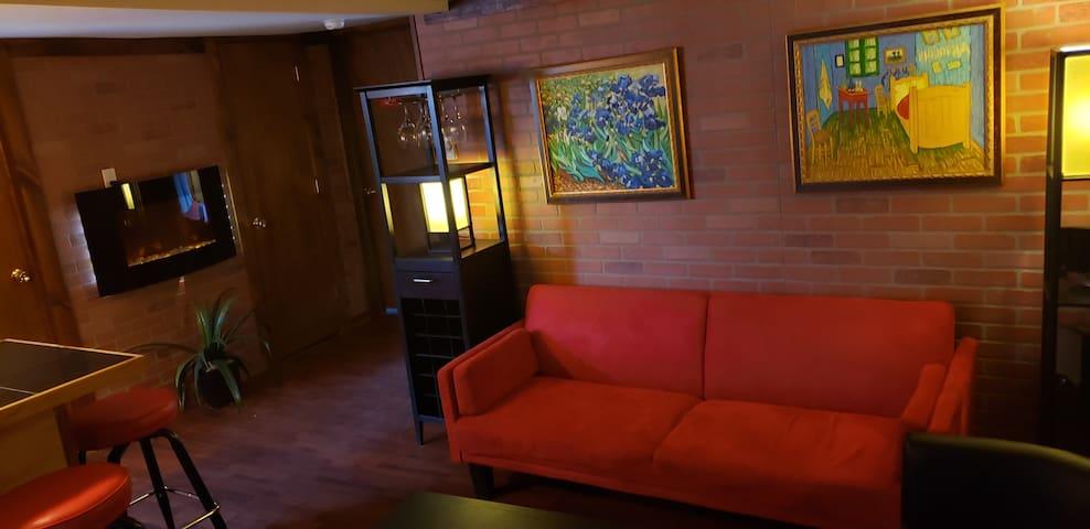 2-Bedroom 2 Bathroom Unit M5- Centrally Located