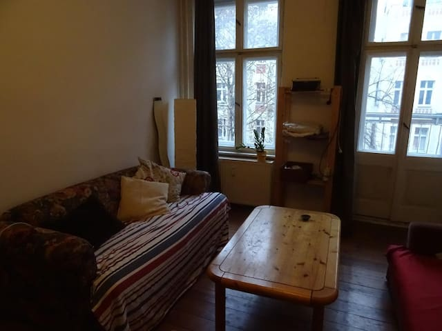 Comfortable room in shared flat, in great location - Berlin - Apartment