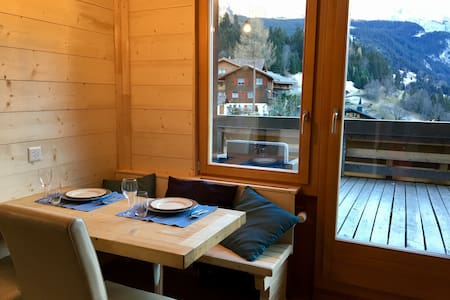 Apartment with balcony in WENGEN ! - Lauterbrunnen - Daire