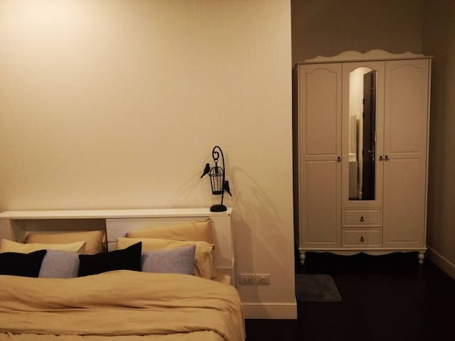 Privacy room in luxurious house. - Bangkok  - Casa