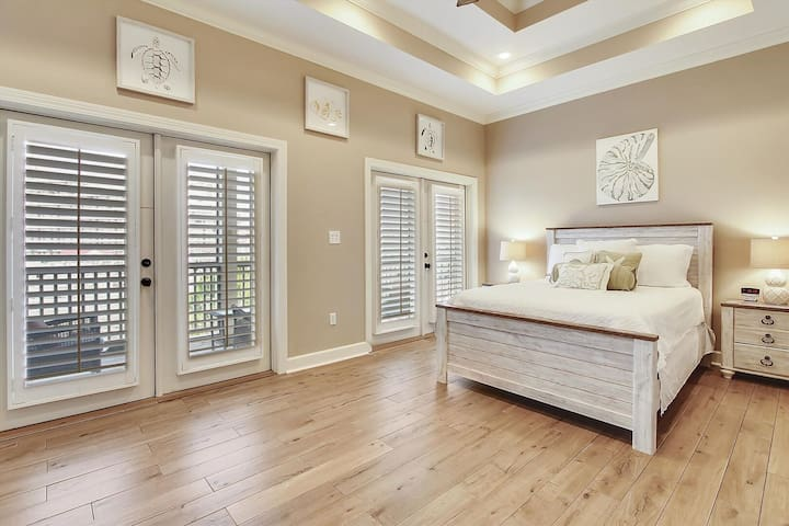 Elegance on the Gulf   New Upgrades   125 Steps to Beach & 75 to Pool   Fun Pass
