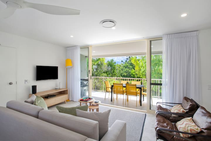# 2 Hastings St - 2 BR River/Park View Apartment
