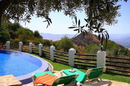 Villa El Lagar Rocabella - Màlaga